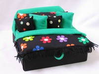 Green Flowers Bed Box